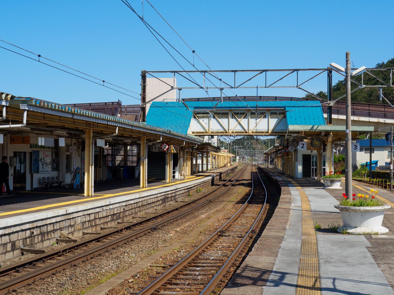 浅虫温泉駅のホーム