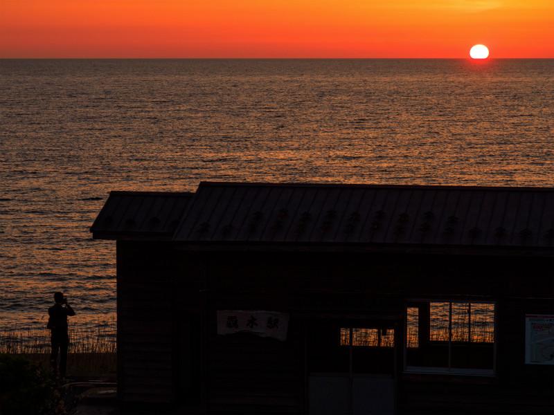 驫木駅の夕暮れ