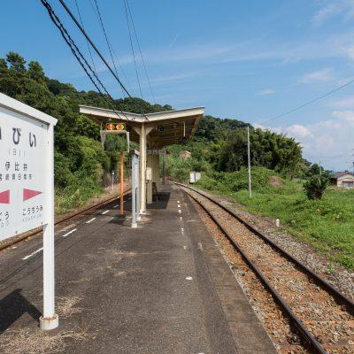 ホームから、北の宮崎方面を望む。
