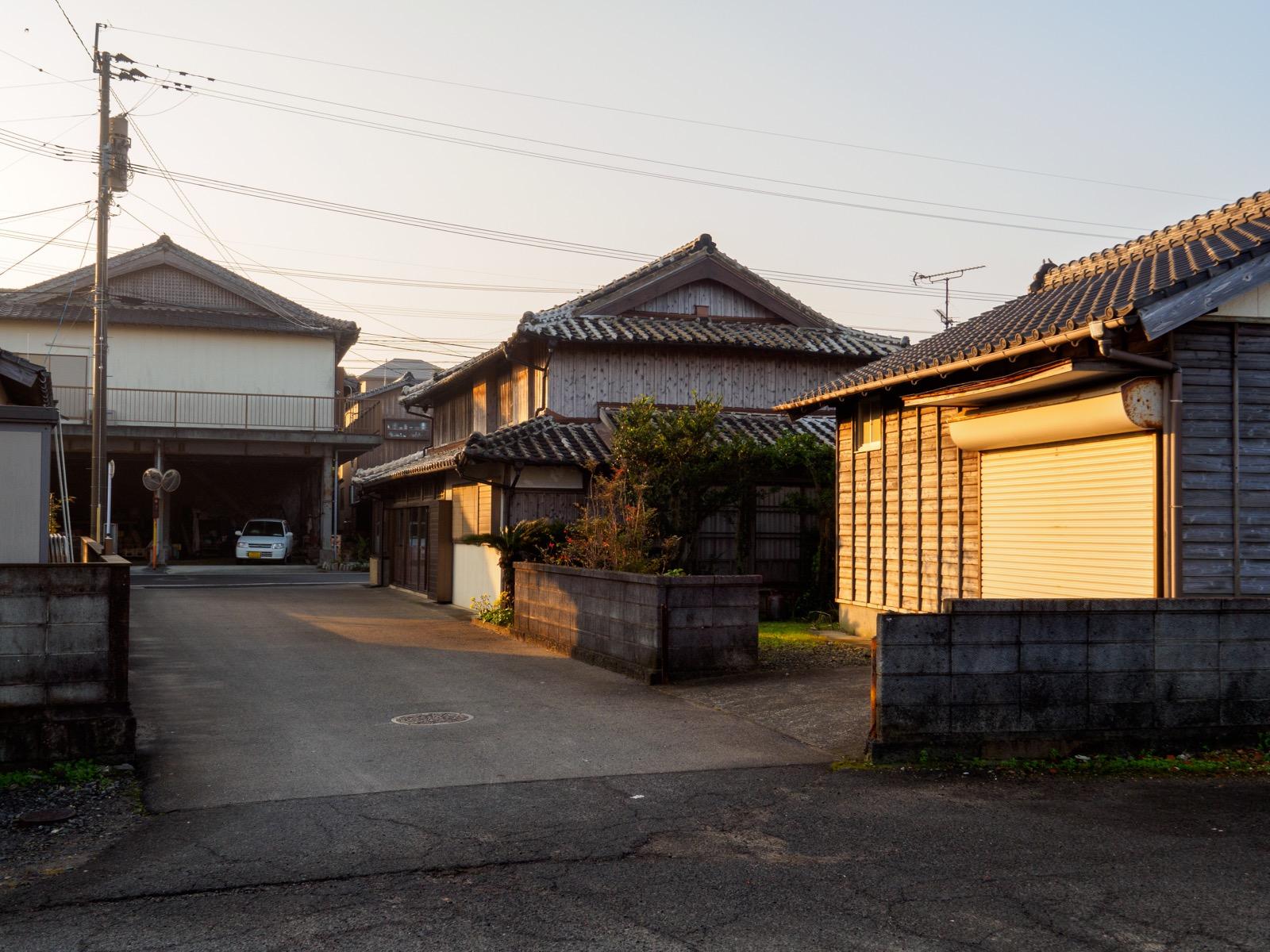 古部駅の駅前