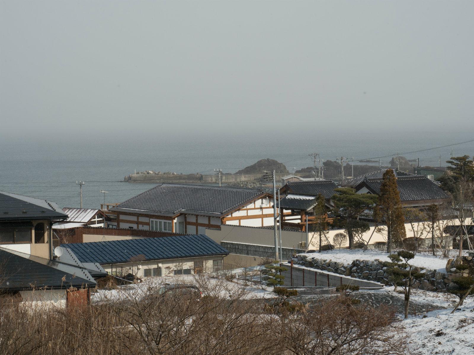 陸奥白浜駅から見た太平洋