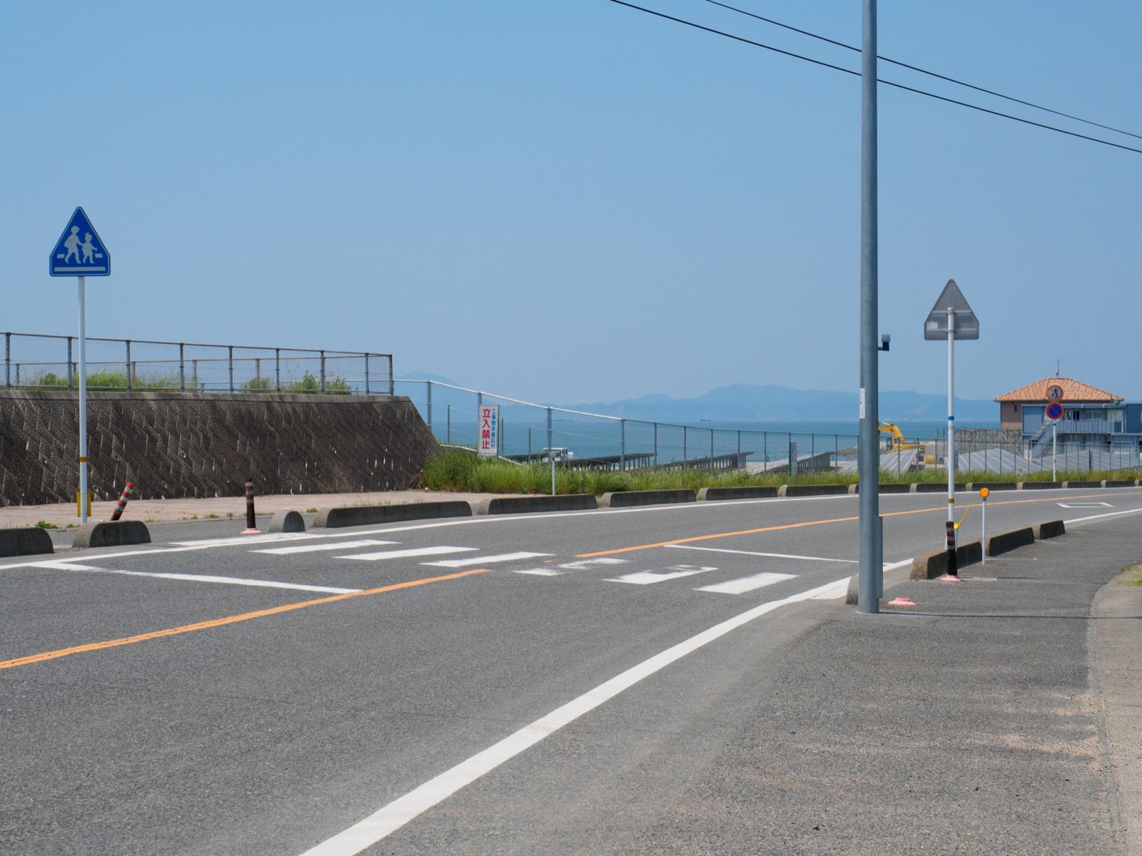 長門本山駅前から望む周防灘