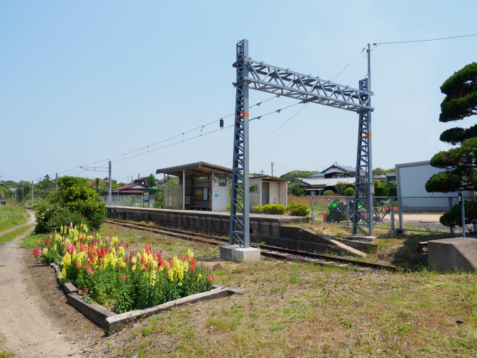 長門本山駅全景