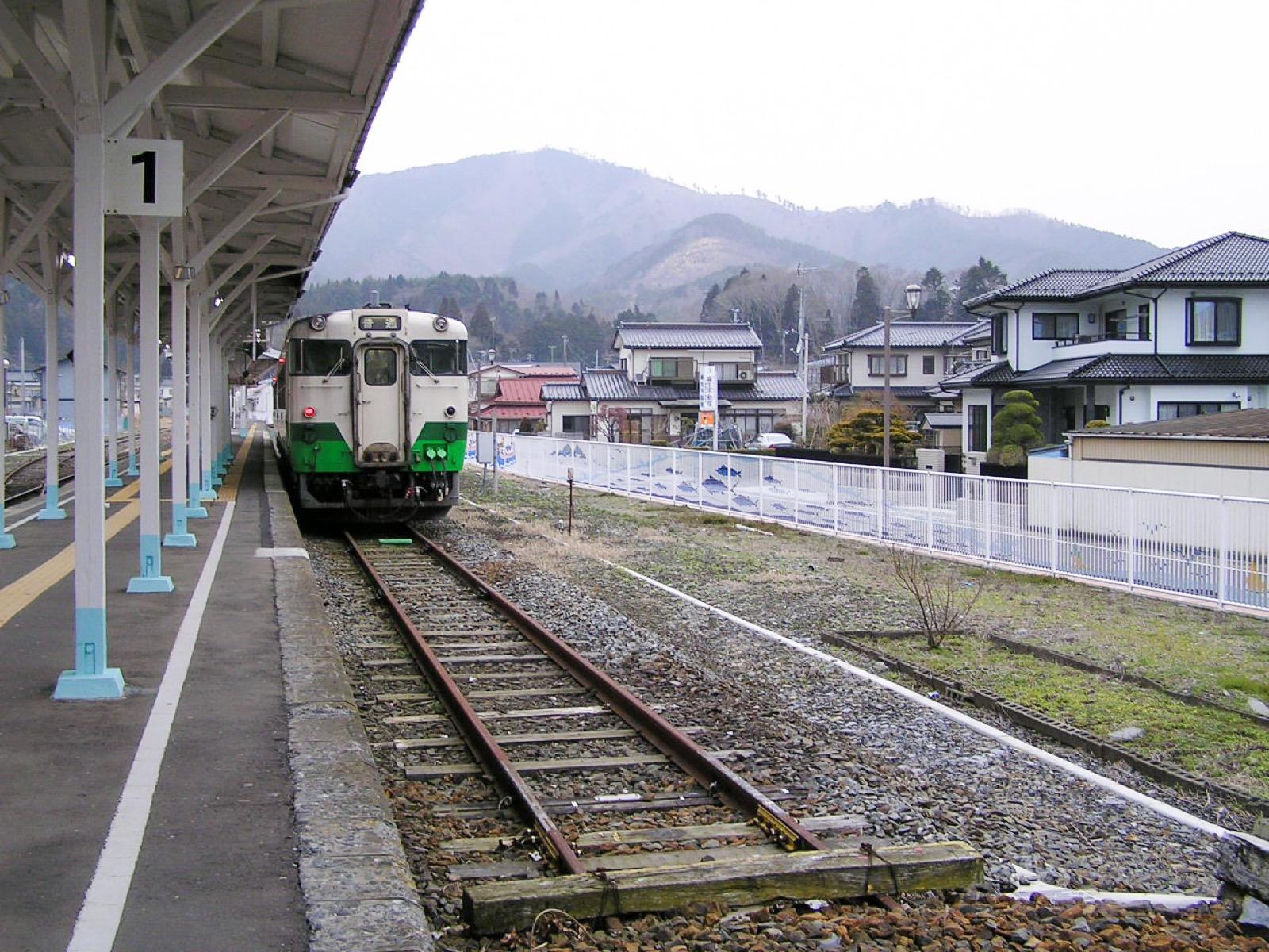 震災前の女川駅のホーム(2007年3月)