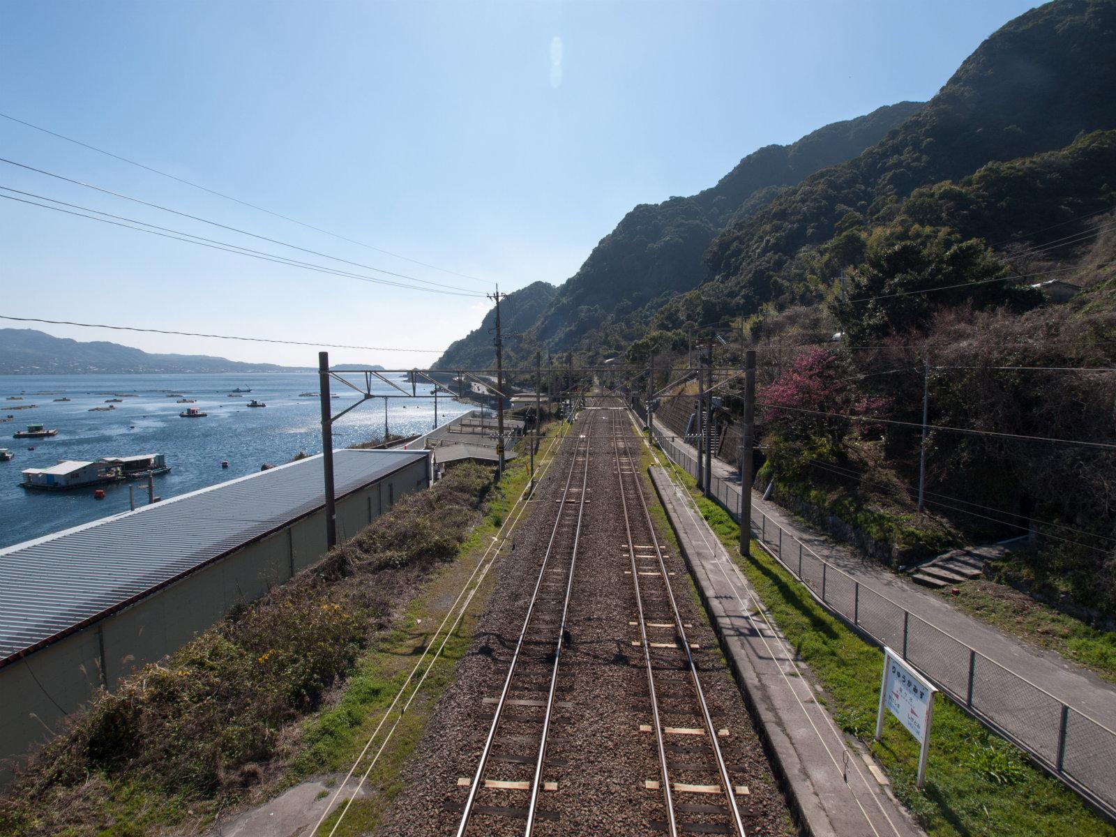 竜ケ水駅   海の見える駅