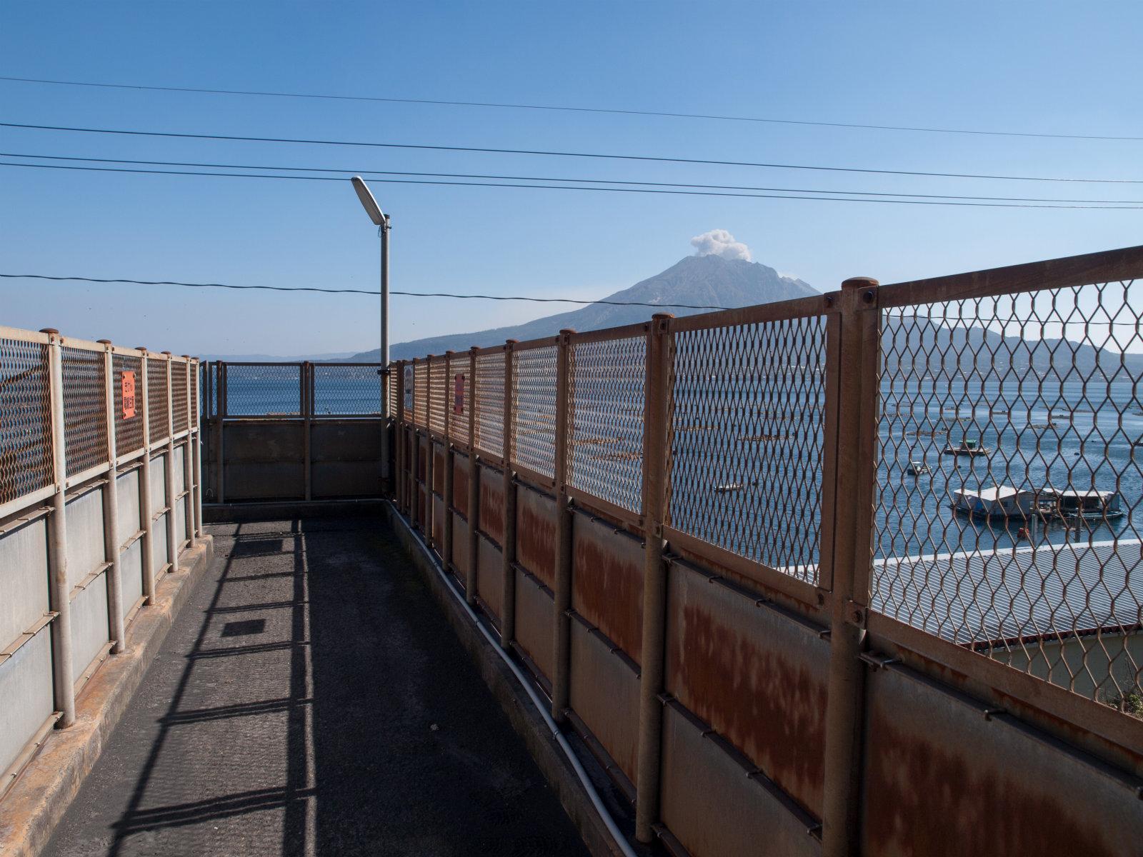竜ケ水駅と桜島