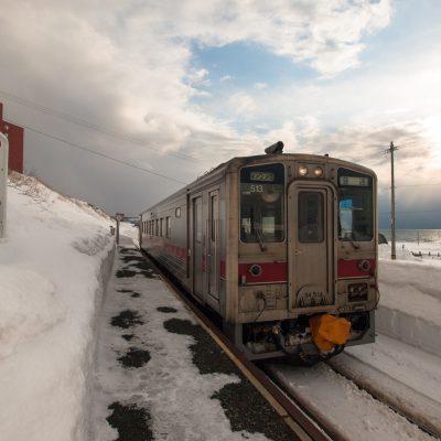 1日6本しかない、帰りの列車がやってきました。瀬越駅に列車が来るのも、2016年12月4日までです。