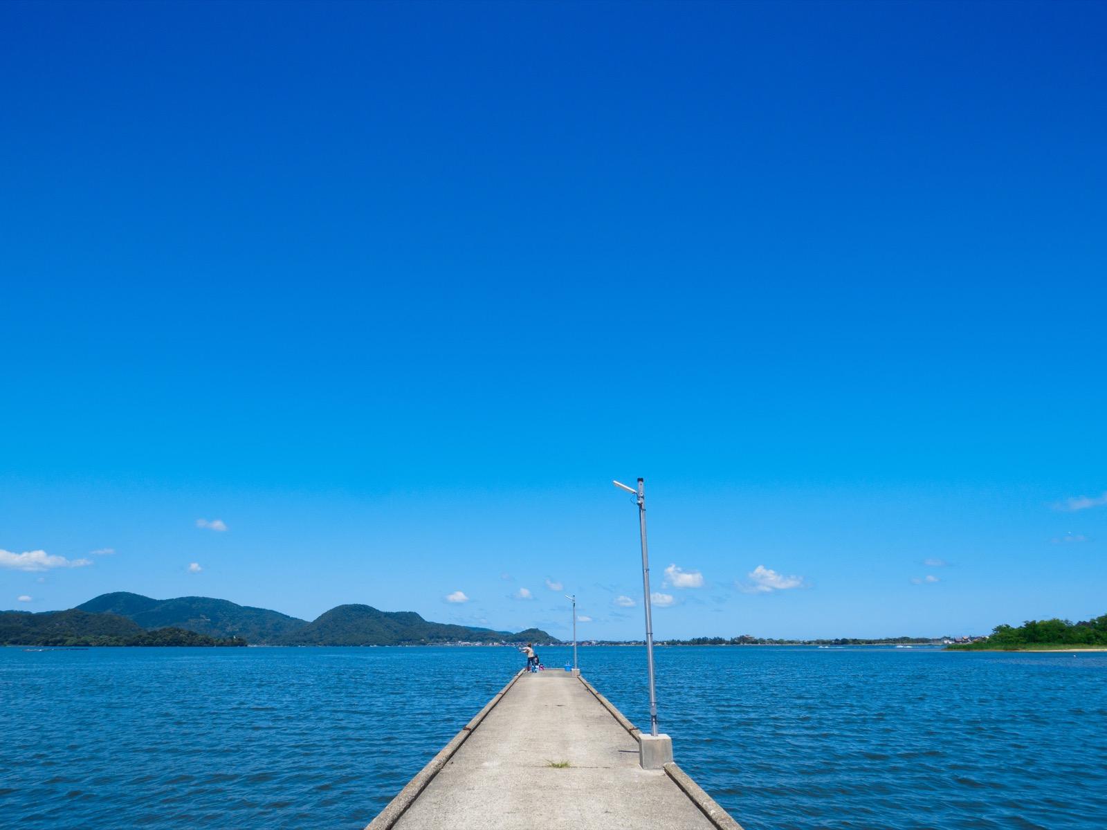 小天橋駅前の突堤と久美浜湾