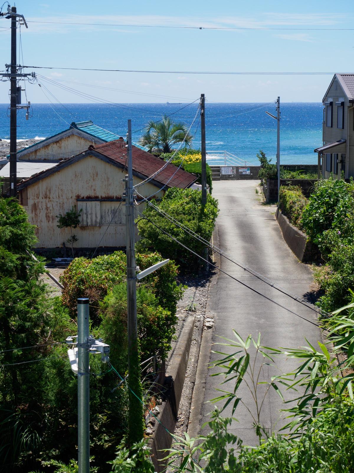 和深駅から見た海(枯木灘)