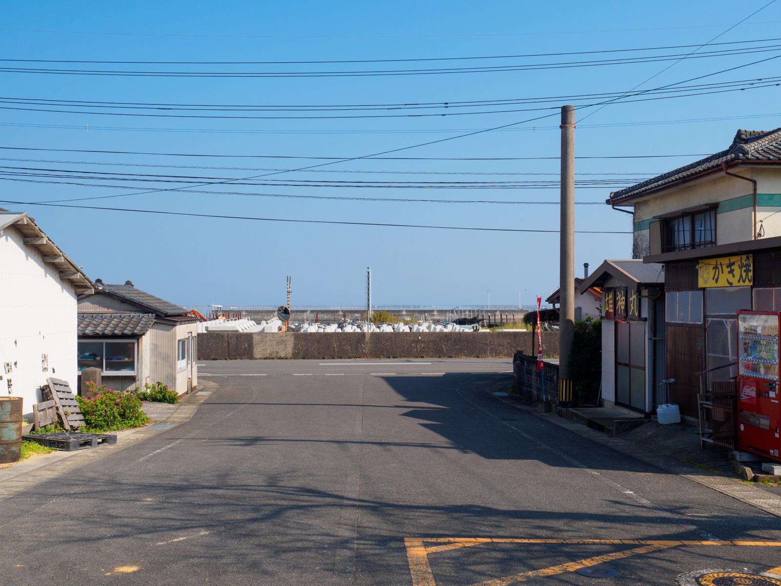 肥前飯田駅の駅前