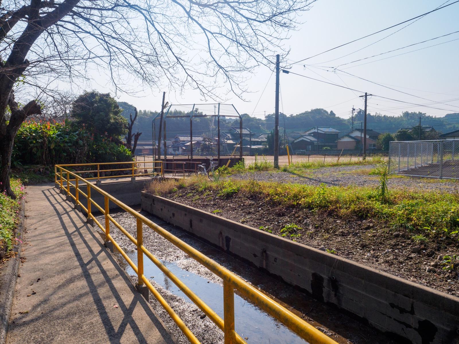 肥前飯田駅の山側の入口からの風景