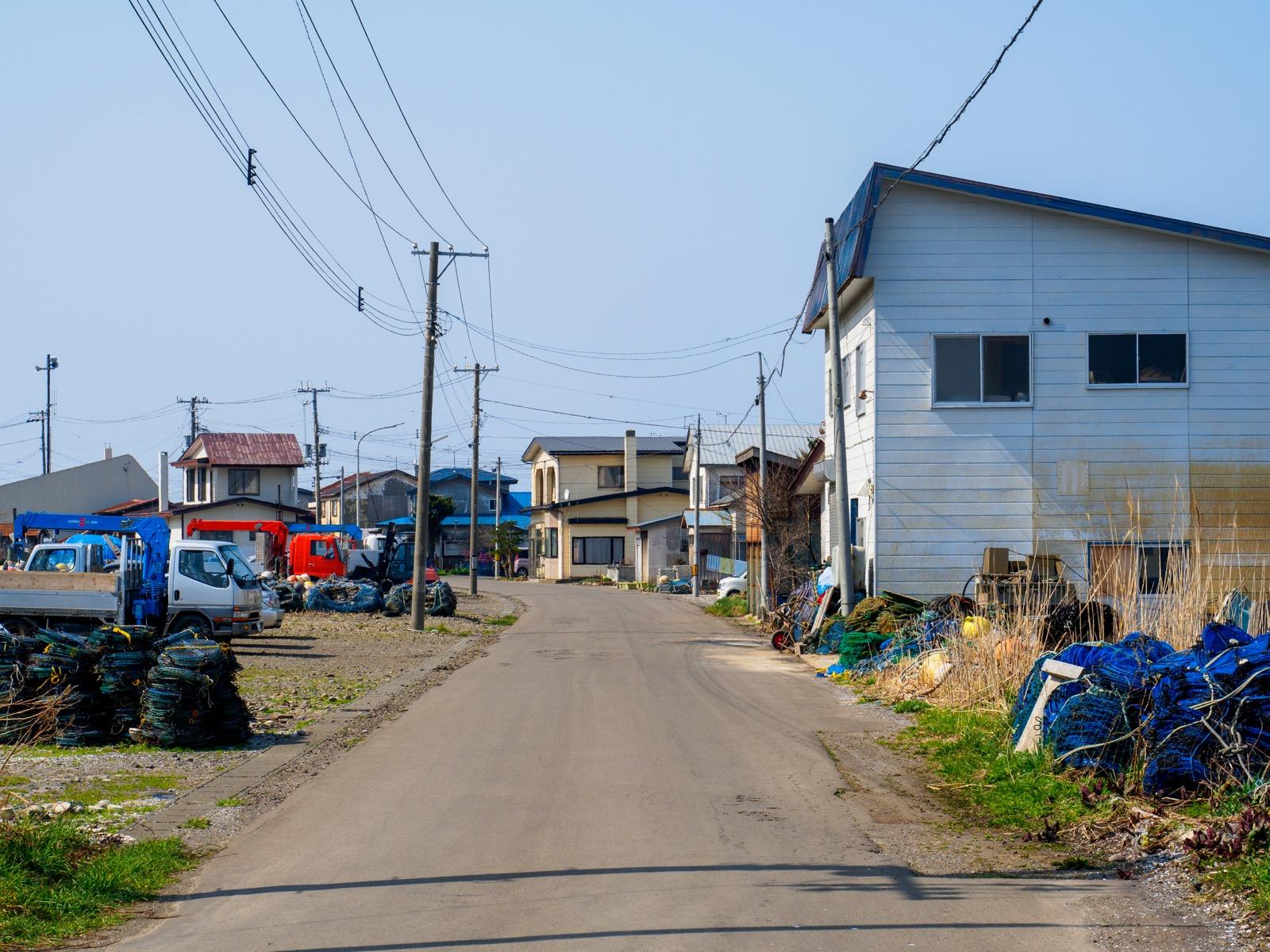 石倉駅前の集落
