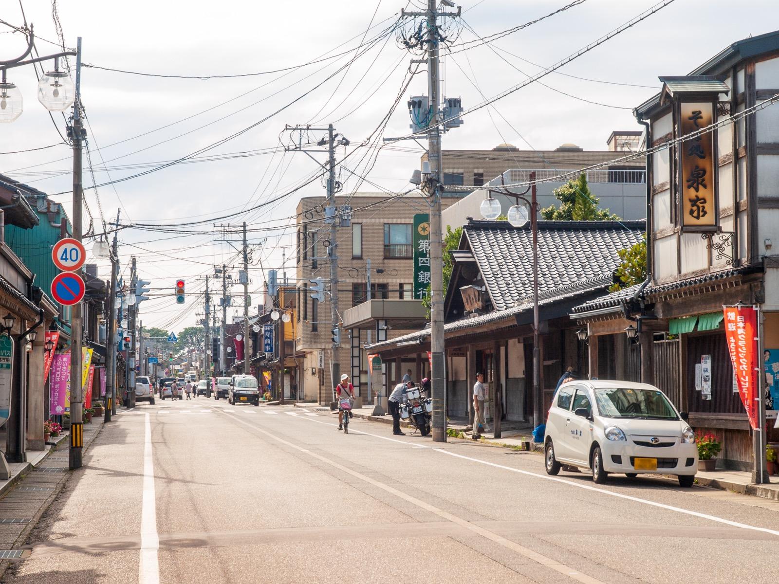 糸魚川市の本町通り(2012年8月)