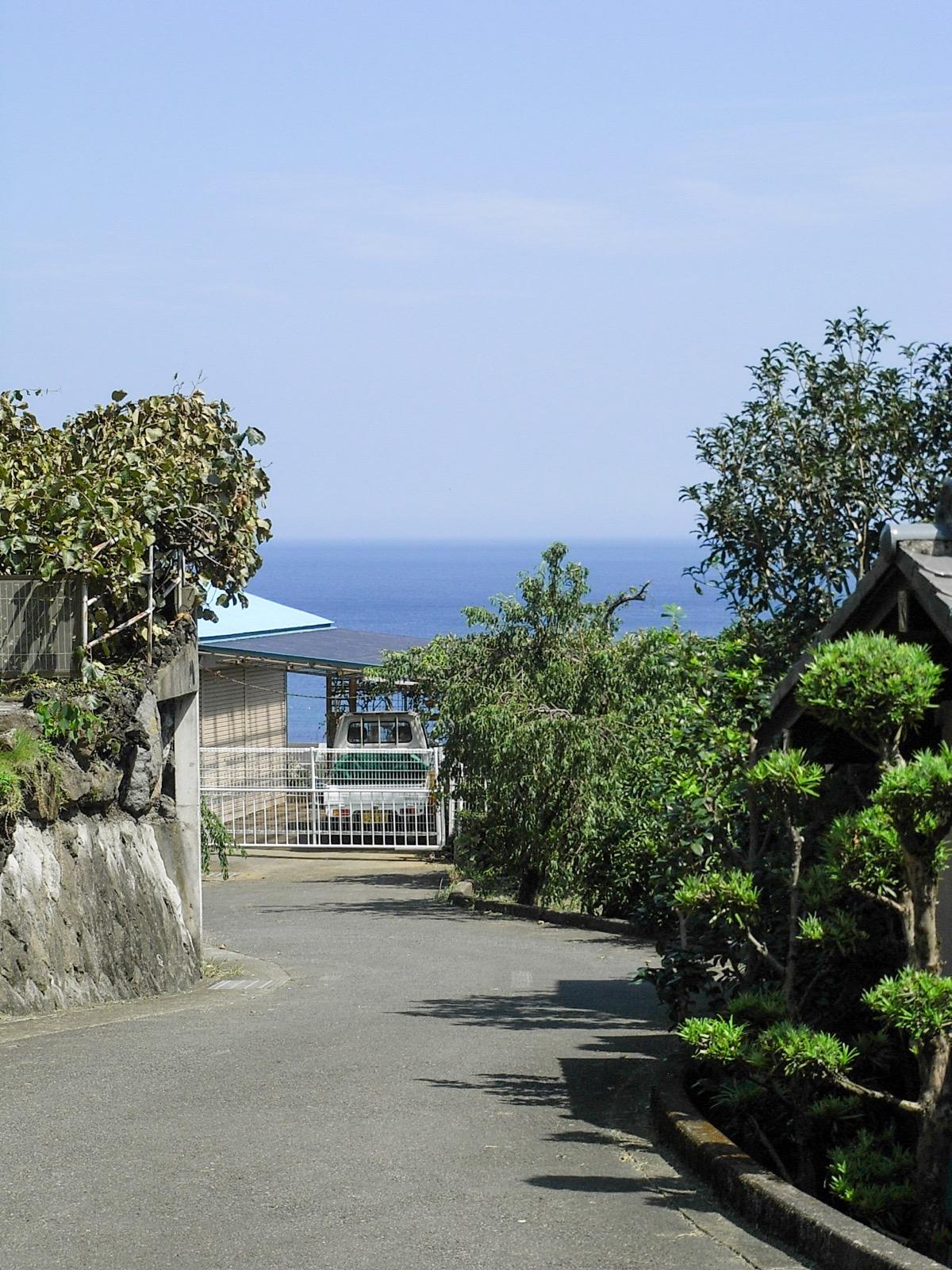 伊豆多賀駅周辺から見た相模湾