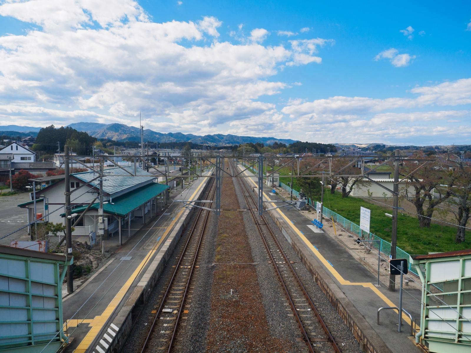 木戸駅の跨線橋からの眺め(2017年4月)
