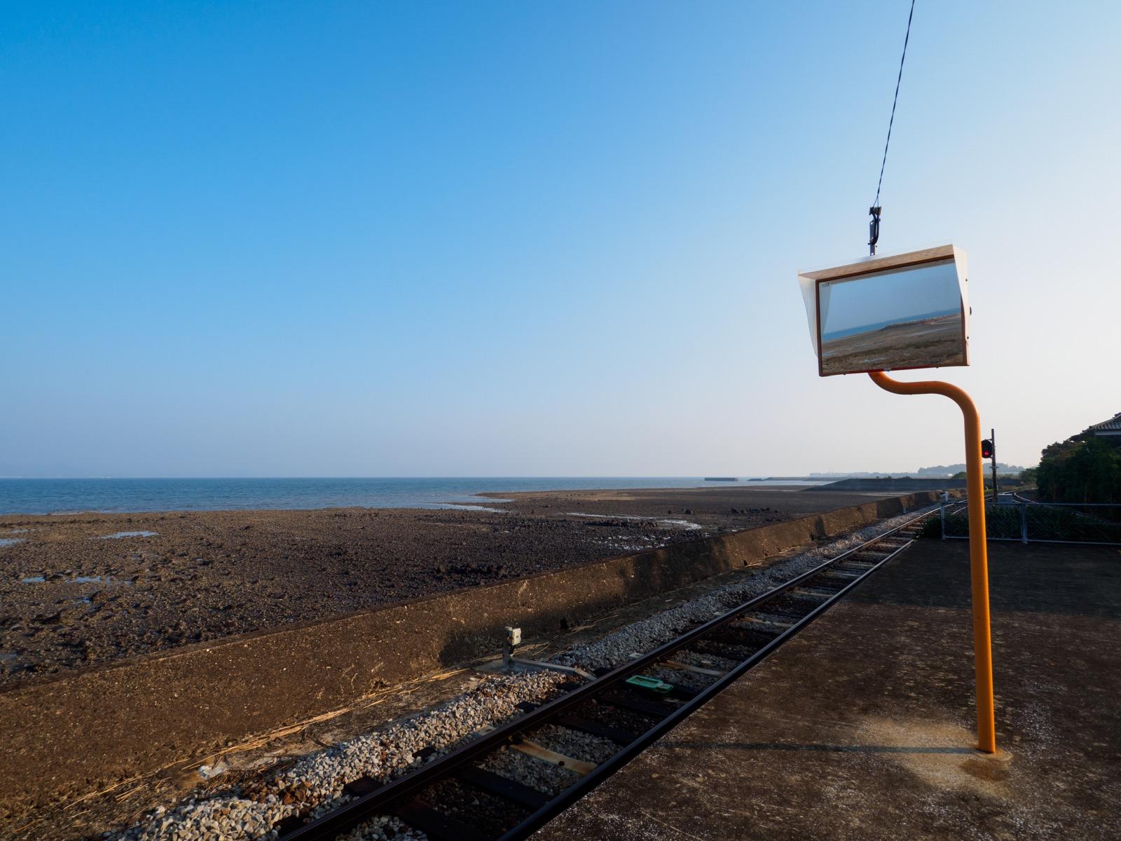 古部駅のホームから見た諫早湾