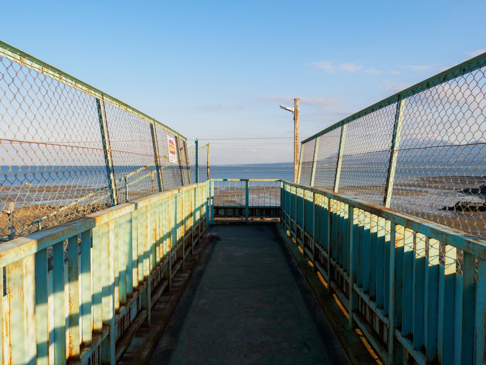 小長井駅の跨線橋から見た諫早湾