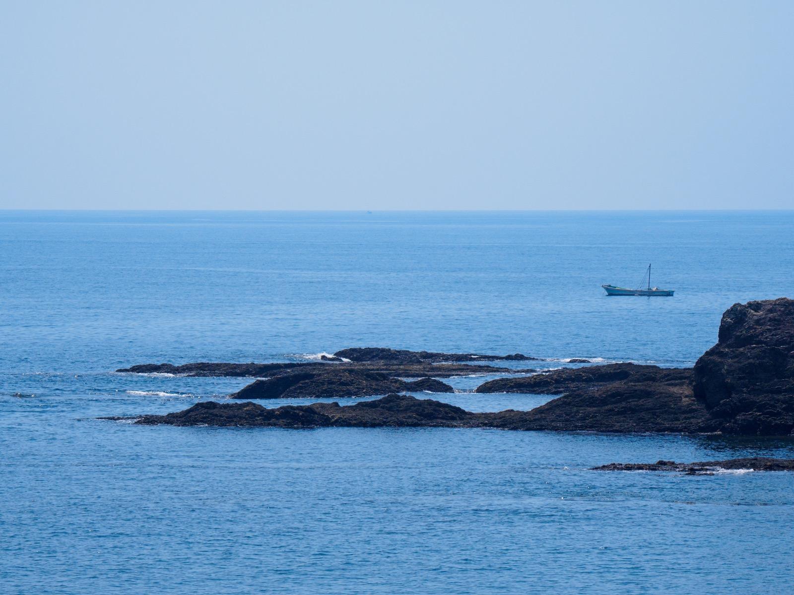 鯖瀬駅そばの海岸から見た太平洋