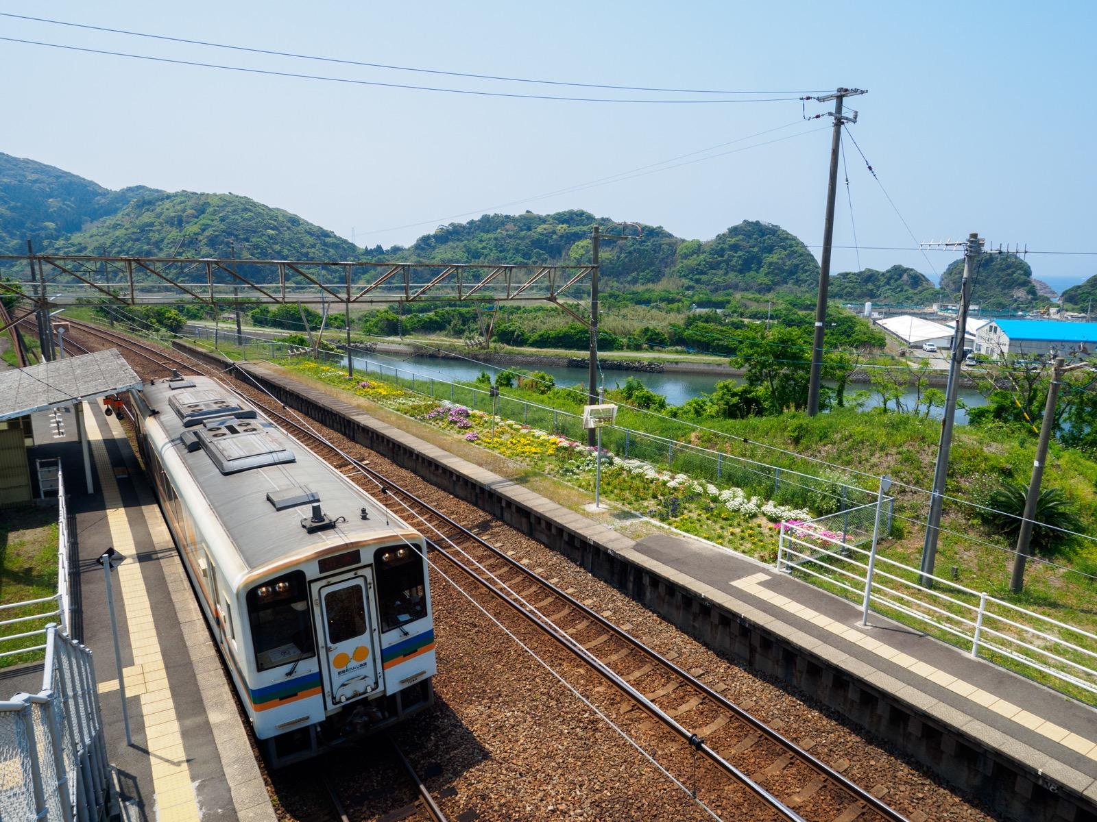 薩摩高城駅と湯田川