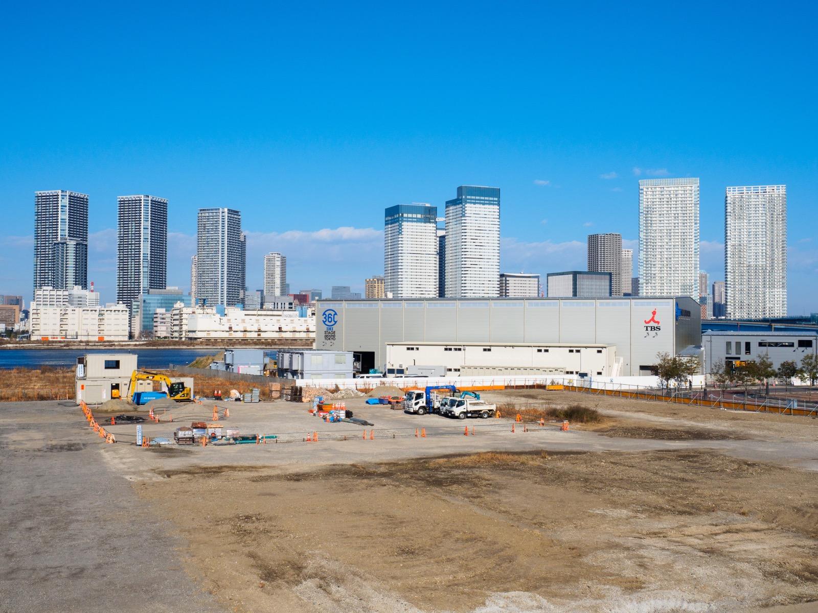 市場前駅から見る「IHIステージアラウンド東京」