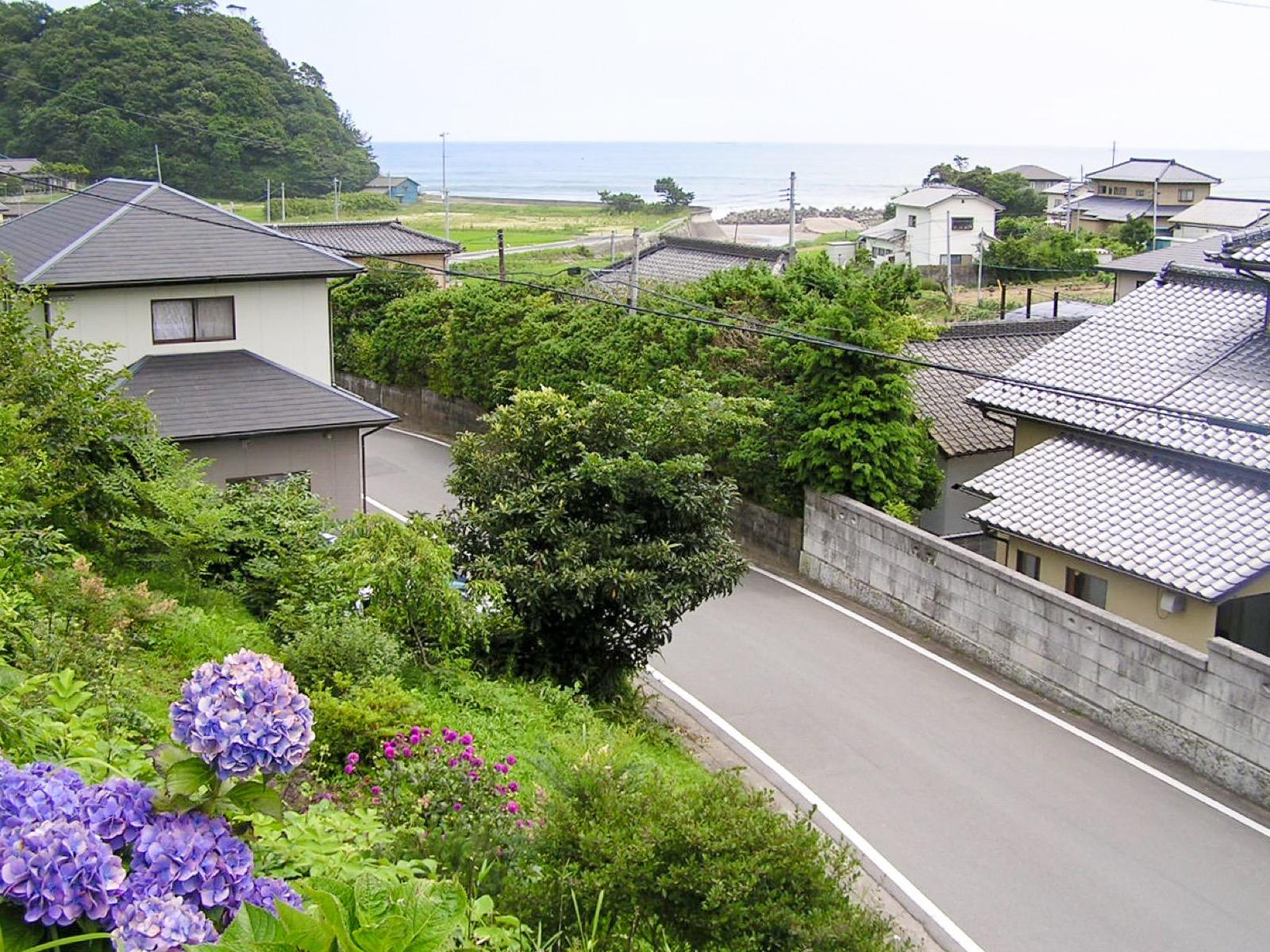震災前の末続駅からの眺め(2005年7月)