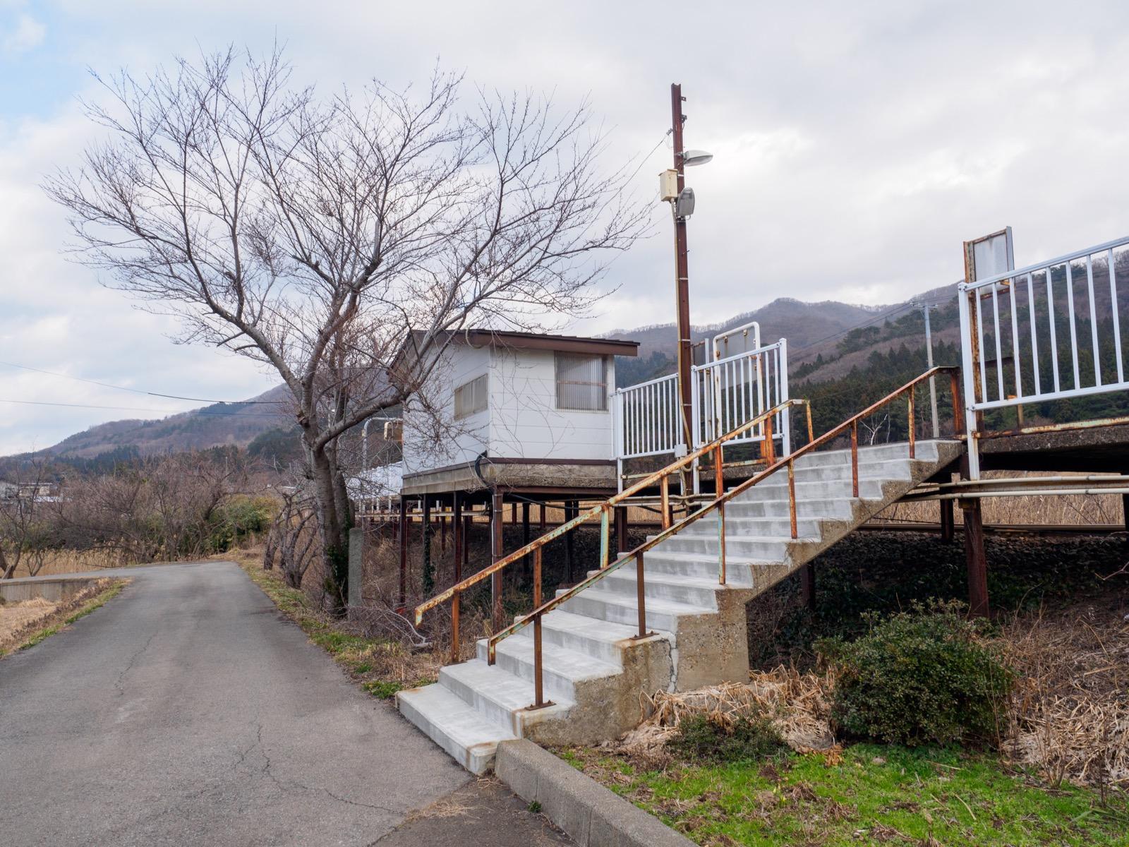 滝ノ間駅の外観