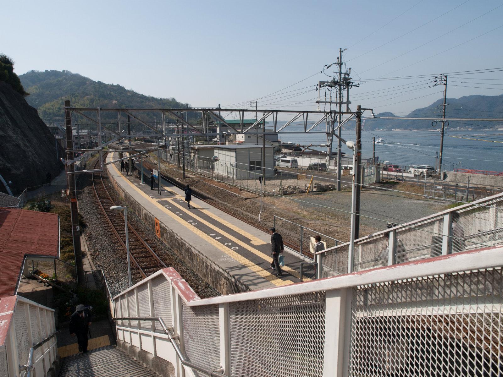 天応駅   海の見える駅