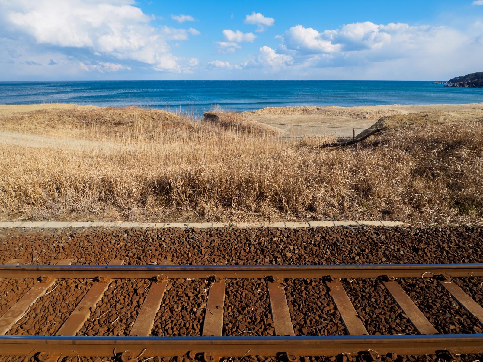 有家駅のホームから見た太平洋