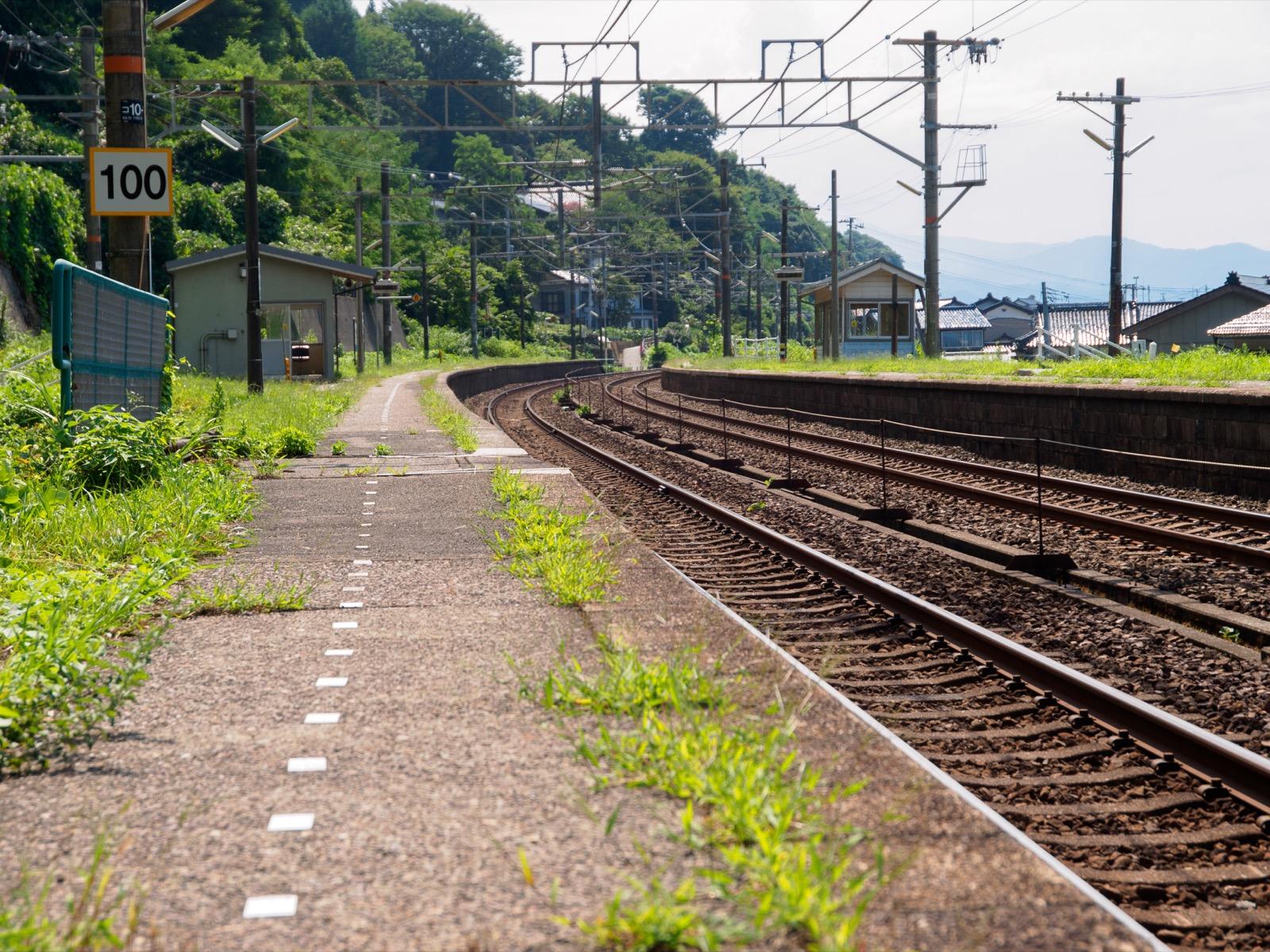 浦本駅の長大なホーム