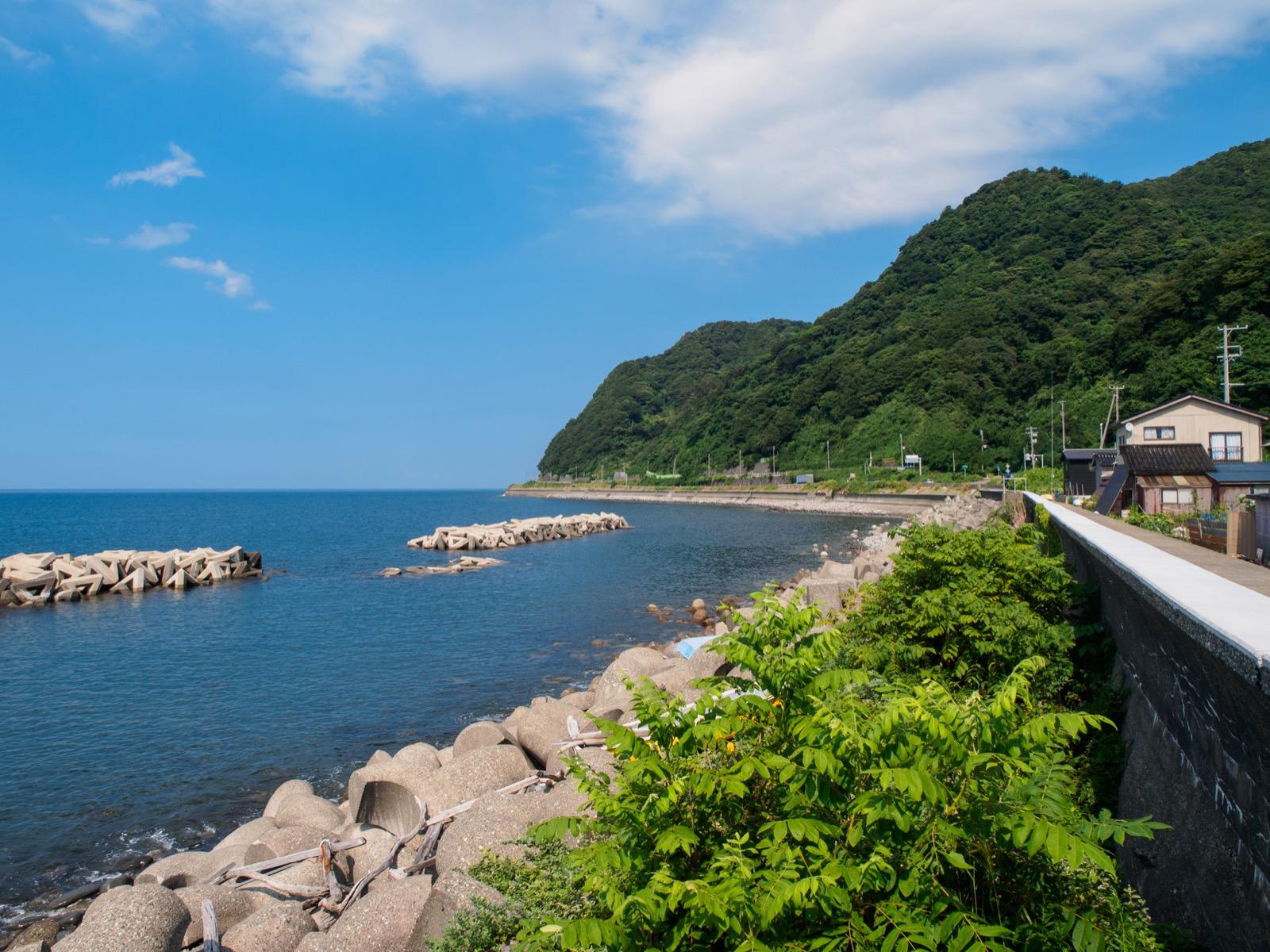 久比岐自転車道から見た日本海